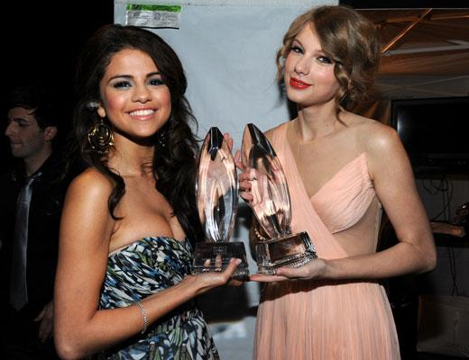 /nick-assets/blogs/images/kids-choice-awards/taylor-and-selena.jpg