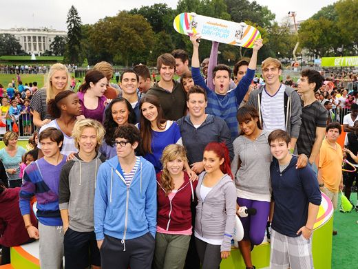 Player's Pose|Everyone got together for one big WWDOP pic. Say cheeeese!