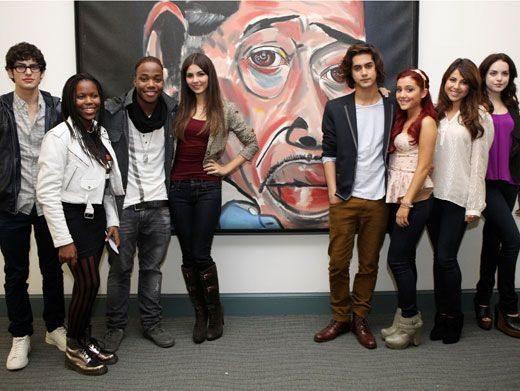 Group Shot!|The whole crew from Victorious came together for a group shot before meeting with the kids of Duke Ellington.