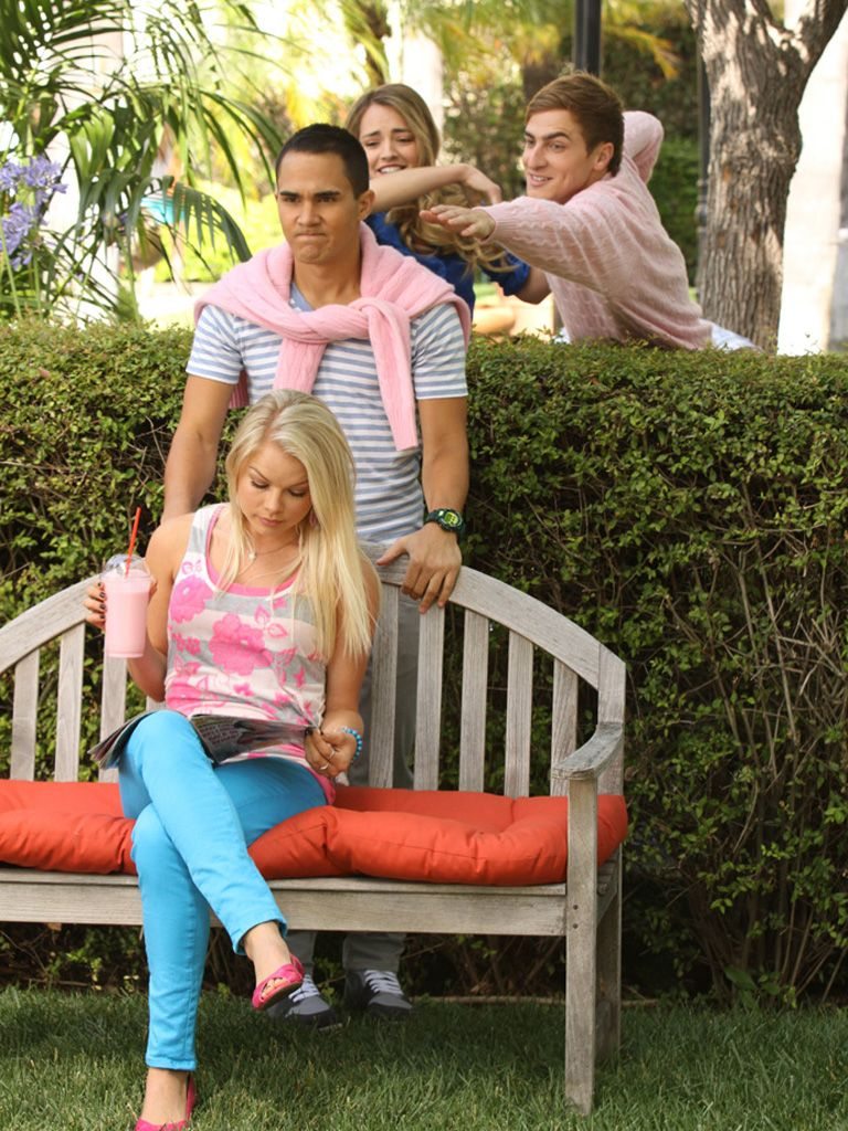 Helping Hand|Silly Carlos, Kendall is just trying to save you from Jennifer... and pink isn't your color!