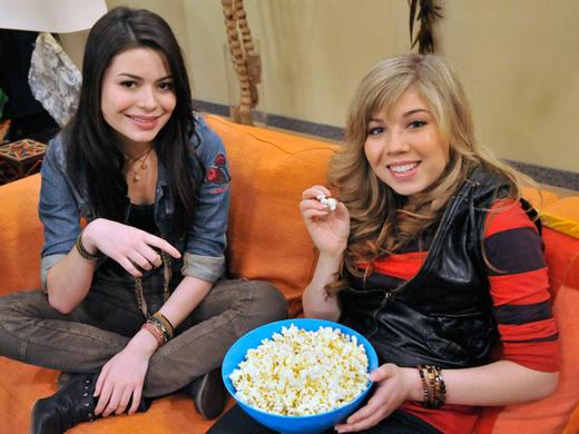 Nathan Kress Is Planning An iCarly Movie Night Image 1