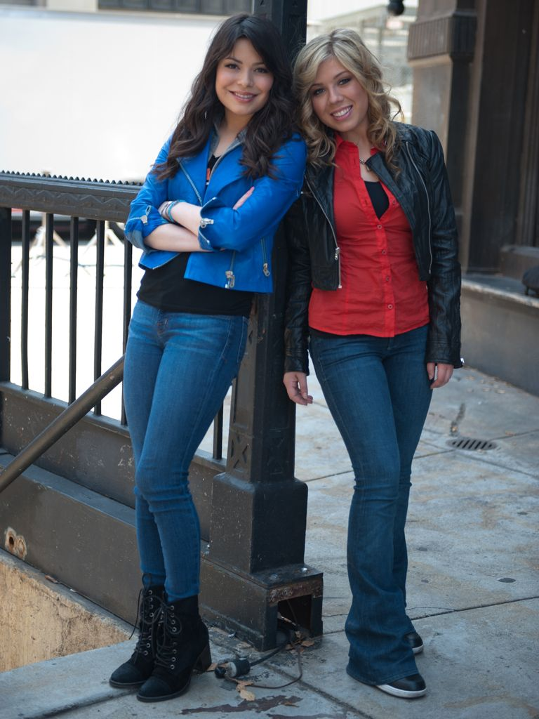 Red, Bright and Blue|The iCarly gals look great in their stylish threads!