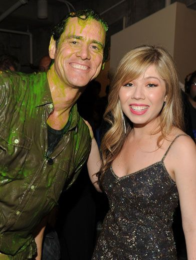 Side-kicking Back With Slime|Favorite Sidekick winner, Jennette McCurdy showed she's not afraid of slime by hanging with goo-covered Jim Carrey backstage.