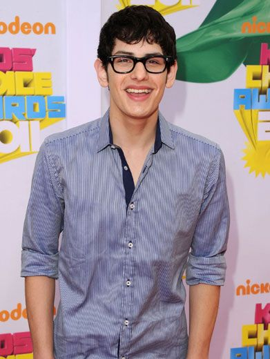 Cool Cat Matt|Matt Bennett of Victorious was lookin' smooth on the KCA Orange Carpet. He ditched his signature fro!