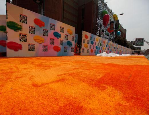 /nick-assets/shows/images/kids-choice-awards-2012/blogs-2/orange-carpet-1/orange-carpet-1.jpg