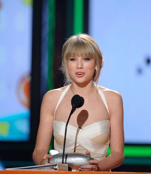 Blog Image: Taylor Swift Wins Big Help Award 1