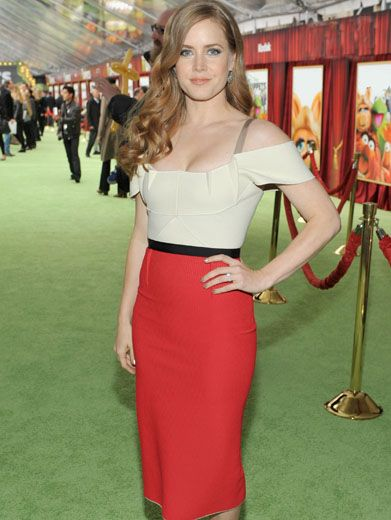 Classic Charm|Amy Adams makes a vintage outfit look fresh and flirty. Well done!