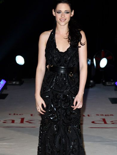 Sheer Shine|Kristen Stewart brings some shine to her film premiere with this glam gown!