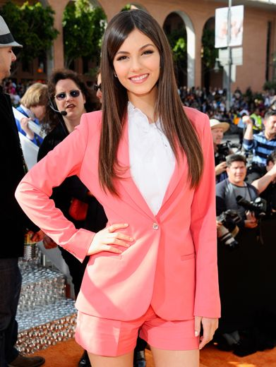 KCA 2012: Victoria Justice is Pretty In Pink!|Victoria Justice's sense of fashion never fails...she looks super gorgeous!