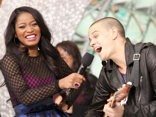 KCA 2012: Having Fun|We think it's great that Keke let her guitarist rock the mic live onstage!