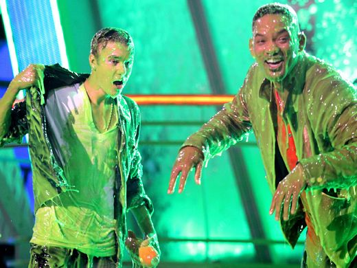 KCA 2012: Justin Bieber & Will Smith's Slime Zone|Has the world ever seen a sliming so severe? Two of the biggest stars in the world recover from Nickelodeon's highest honor.