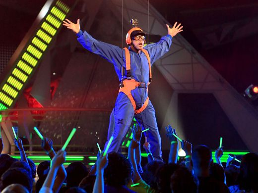 KCA 2012: Parachuting Prince|After a botched blimp dive, Big Willie busts through the roof to kick off KCA 2012.