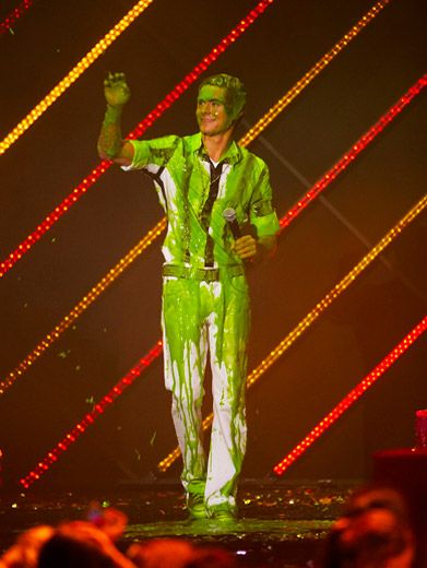 Zac Down Under|Cutie Zac Efron gets slimed at the 2007 Australian KCAs.