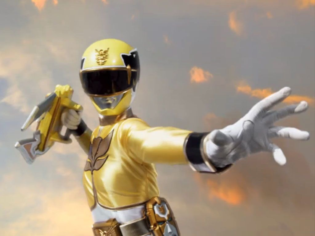 YELLOW RANGER|Gia Moran flexes her battle hand.