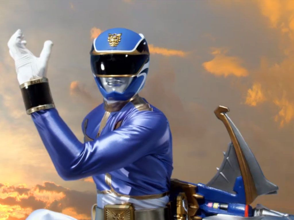 BLUE RANGER|Noah Carver is ready to save the world.