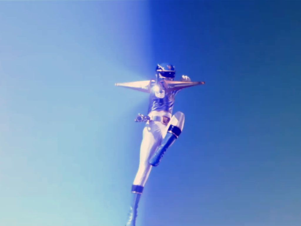 SHARK BOW BLAST|Noah, the Blue Ranger, delivers a deadly arrow attack from above.