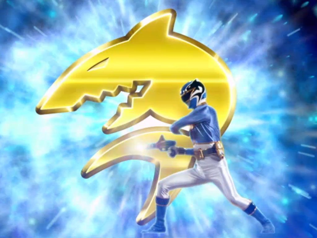 MORPH TIME|Noah is a scientist, not a fighter, but his blue suit and Shark Zord give him the extra confidence he needs.