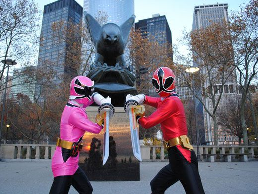 On Guard!|The Samurai Rangers prepare to battle any evil that may be lurking in New York's Battery Park.