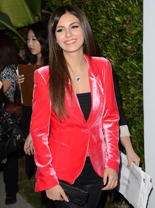 /nick-assets/shows/images/star411/blogs-3/2012-teen-vogue-young-hollywood-vic-1.jpg