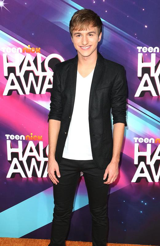 /nick-assets/shows/images/star411/blogs-3/halo-awards-lucas.jpg