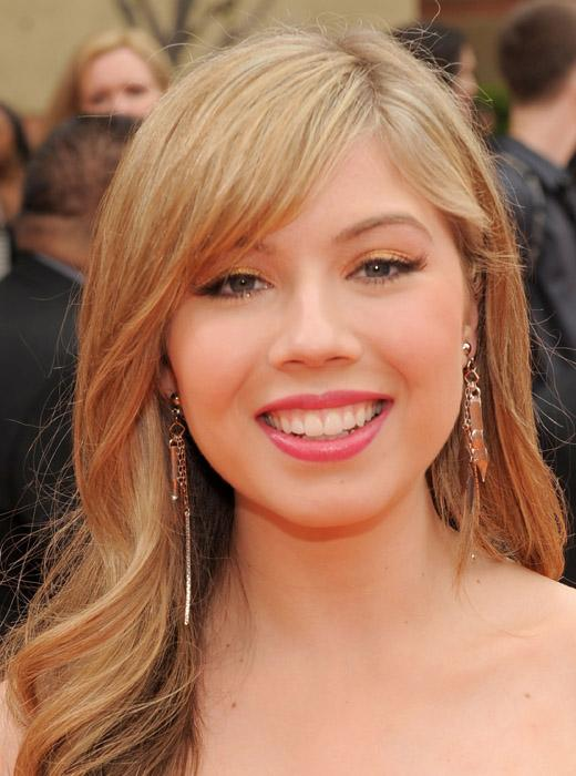 /nick-assets/shows/images/star411/blogs-3/jennette-tweets-1.jpg