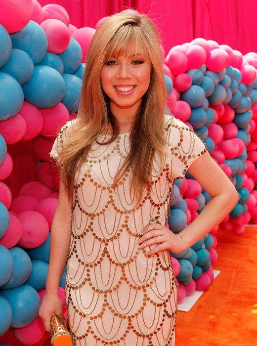 /nick-assets/shows/images/star411/blogs-3/jennette-tweets-2.jpg