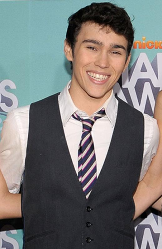 /nick-assets/shows/images/star411/blogs-3/max-schneider-style-file-1.jpg