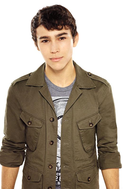 /nick-assets/shows/images/star411/blogs-3/max-schneider-style-file-6.jpg