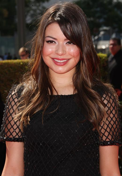 /nick-assets/shows/images/star411/blogs-3/miranda-jennette-hit-2012-emmys-2.jpg