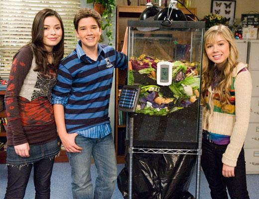 /nick-assets/shows/images/star411/blogs/images/do-something-icarly.jpg