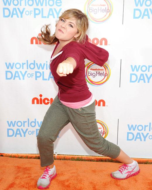 /nick-assets/shows/images/star411/blogs/images/jennette-punch.jpg