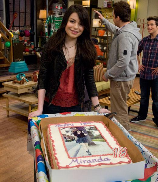 /nick-assets/shows/images/star411/blogs/images/miranda-birthday-set-pics-1.jpg