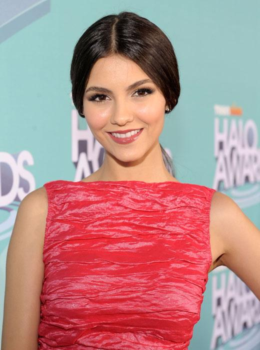 /nick-assets/shows/images/star411/blogs/images/victoria-justice-friends.jpg