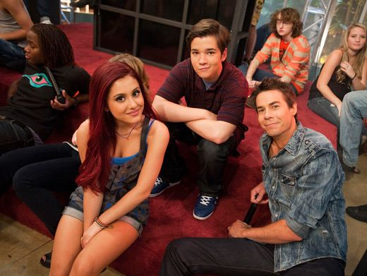 iTake a Break|Ariana Grande, Nathan Kress and Jerry Trainor sit back and relax on the set of
