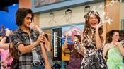 Victorious: Fun On The Set pictures